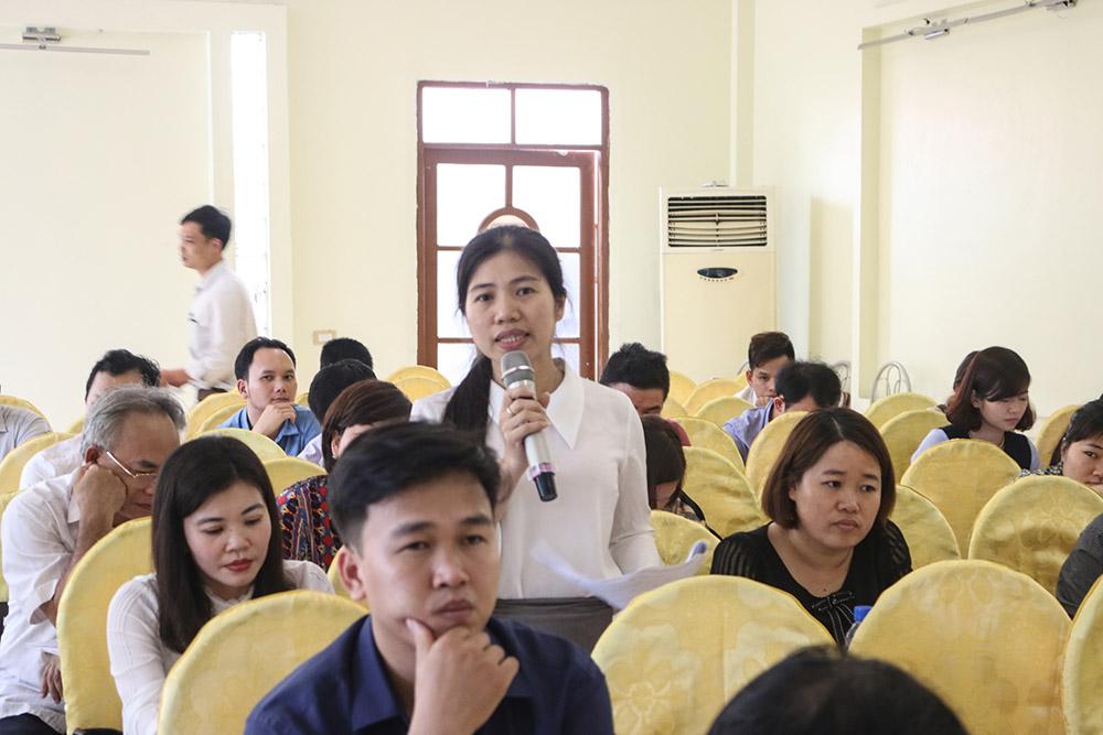 Đại diện Trường THPT Nguyễn Siêu - Khoái Châu chia sẻ tại buổi tập huấn, và đánh giá cao vai trò, ý nghĩa của hoạt động khởi nghiệp trong khối học sinh THPT