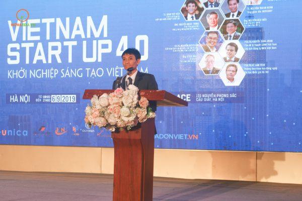 TS. ĐInh Việt Hòa (Vinen) phát biểu khai mạc Hột thảo.