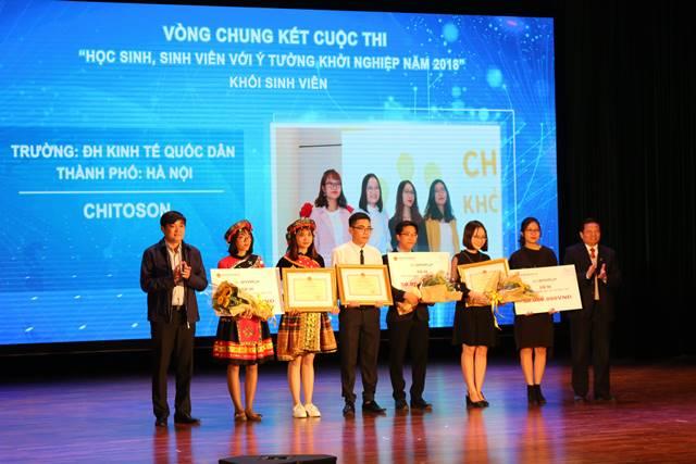 Đội Cao nguyên đá nở hoa đoạt giải 3 cuộc thi học sinh sinh viên với ý tưởng khởi nghiệp 2018 do Bộ Giáo dục và Đào tạo tổ chức.