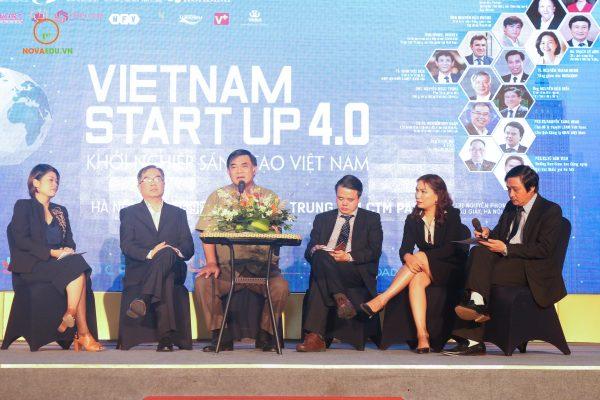 Tọa đàm 'Doanh nhân Việt Nam ứng dụng 4.0 bước ra biển lớn'
