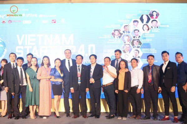 Gala 'Kết nối doanh nhân và luận bàn đầu tư'.